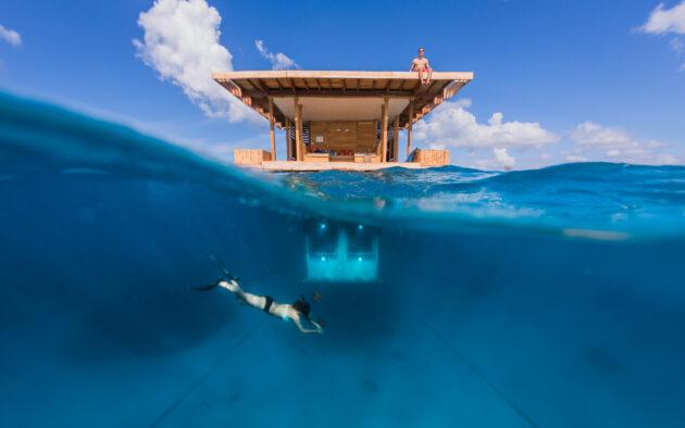 Manta Resort über und unter Wasser