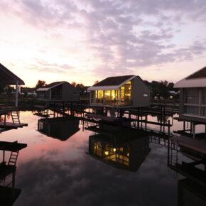 Wochendendtrip: 4 Tage im tollen schwimmenden Ferienhaus in der Wasserferienwelt Im Jaich nur 83€