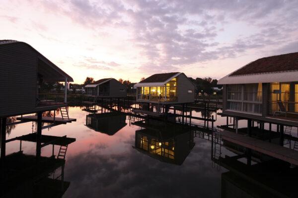Wasserferienwelt im-jaich Sonnenuntergang