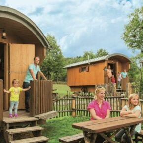 Familienspaß: 3 Tage im Schäferwagen im Natur-Resort Tripsdrill mit Frühstück & Wildparadies ab 69€