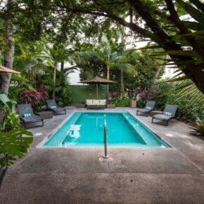 Essex House Pool