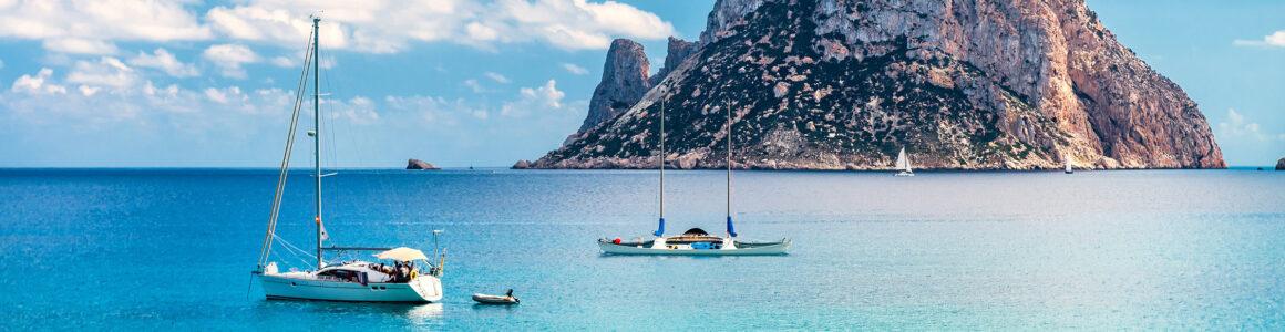 Ibiza: 7 Tage im 3* Hotel mit Halbpension, Flügen & Transfer nur 392€