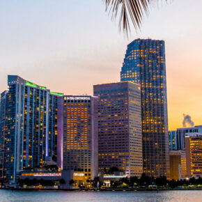 Spring Break USA: 7 Tage Miami Beach in TOP Strandunterkunft mit Halbpension & Flug nur 496€