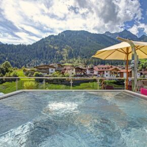 Mountain Resort M&M Whirlpool