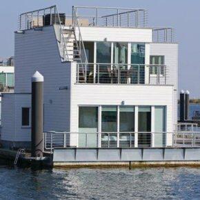 Ostsee: 4 Tage im schwimmenden Ferienhaus mit Meerblick für 99€ p.P.