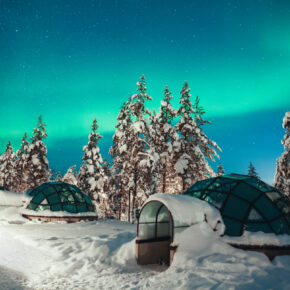 Wochenende: 2 Tage Finnland im speziellen Glas-Iglu im 4* Resort mit Wellness nur 166€