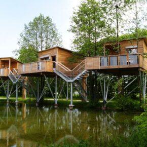 Oberbayern: 2 Tage im coolen Baumhaus inkl. Frühstück nur 95€