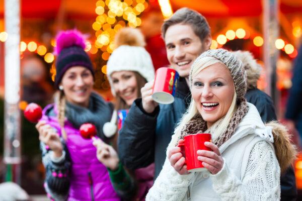 Weihnachtsmarkt Pärchen