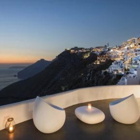 Luxus auf Santorini: 7 Tage in TOP 4* Luxus-Suite mit Meerblick, Frühstück, Flug, Transfer & Zug für 1219€