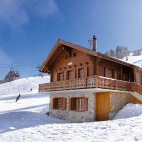 Direkt auf die Piste: 8 Tage in gemütlicher Berghütte in der Schweiz nur 78€