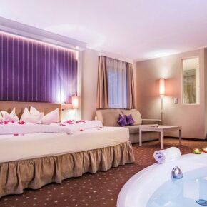 Liebeshotel Alpen-Herz Zimmer