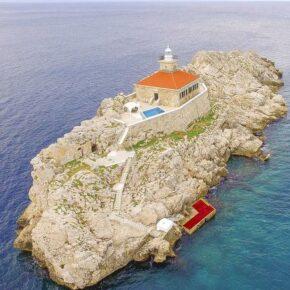 Allein, allein: 8 Tage Kroatien auf eigener Insel mit Leuchtturm-Villa & Pool für 320€