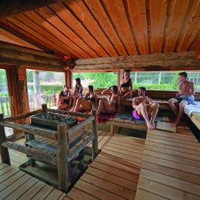 AquaMagis Baumhaus Sauna