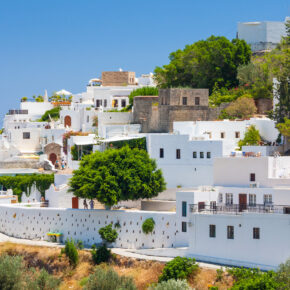 Familienurlaub auf Rhodos: 7 Tage im TOP 4* Strandhotel mit All Inclusive, Flug & Zug nur 381€