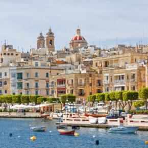 Familienurlaub über Weihnachten: 7 Tage Malta im 4* Hotel mit All Inclusive, Transfer, Zug & Flug nur 479€