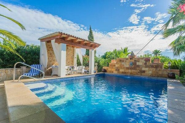 Ferienvilla Muro Pool