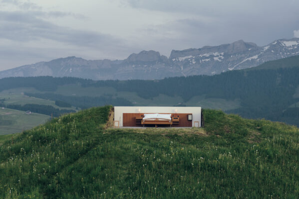 null stern hotel im doppelbett unter freiem himmel. Black Bedroom Furniture Sets. Home Design Ideas