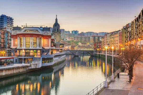 Spanien Bilbao Fluss