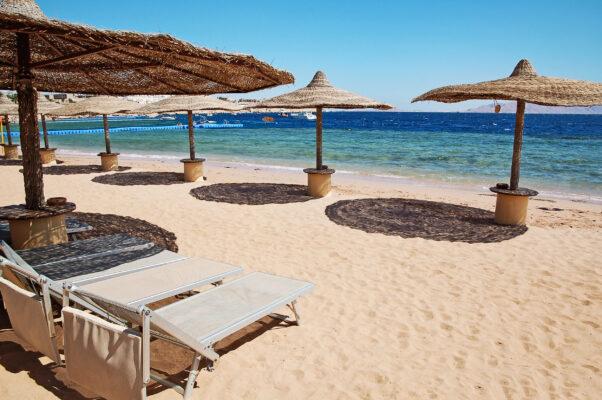 Ägypten Strand Sonnenliegen online reservieren