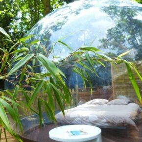 Bubble Hotel Dournazac Bett