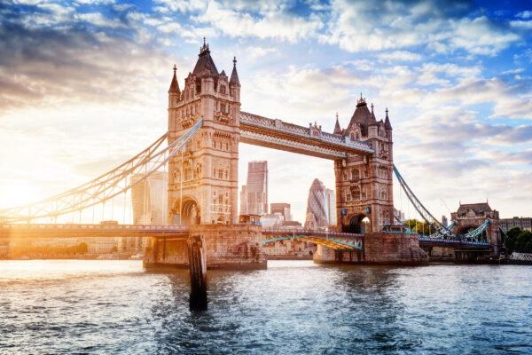 England London Tower Bridge Sonne