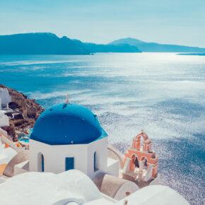 Frühbucher Santorini: 15 Tage Traumurlaub mit Flug & guter Unterkunft nur 352€