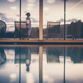 Wellness: 3 Tage Südtirol im TOP 4.5* Hotel mit Verwöhnpension, Sauna & Panoramapool ab 169€