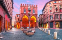 Wochenendtrip nach Italien: 3 Tage Bologna mit zentralem Hotel & Flug nur 81€