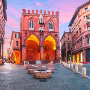 Kurztrip nach Italien: 3 Tage Bologna mit zentraler TOP Unterkunft & Flug nur 81€