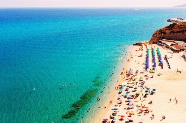 Italien Kalabrien Tropea Stadtstrand
