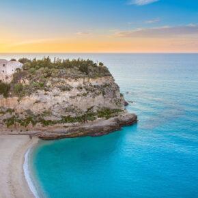 Last Minute nach Kalabrien: 6 Tage in Tropea mit 3* Hotel, Frühstück & Flug nur 99€