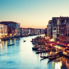 Silvester in Venedig: 2 Tage im zentralen Hotel mit Flug nur 83€