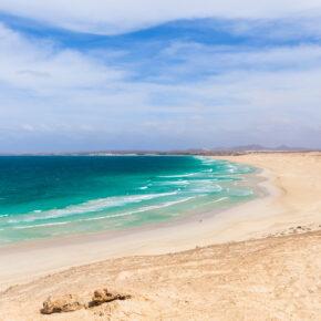 Sommer auf Kap Verde: 7 Tage im TOP 4* Strandhotel mit All Inclusive, Flug, Transfer & Zug nur 630€