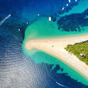 Kroatien: 8 Tage auf Brac mit TOP 3* Apartment in Strandnähe & Flug für 98€