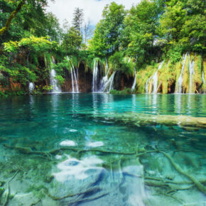 Nationalpark Plitvicer Seen: 5 Tage Kroatien mit Unterkunft & Flug nur 85€