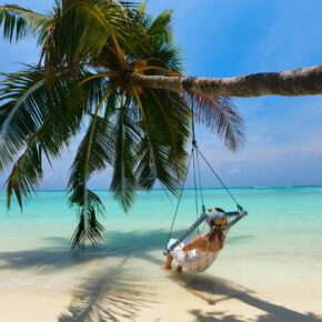 Himmlisch: 8 Tage Malediven in TOP 5* Beach Villa mit All Inclusive, Flug, Transfer & Zug für 2812€