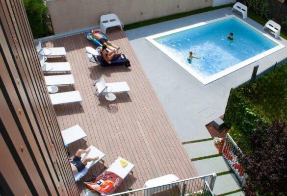 Mod 05 Living Hotel Pool