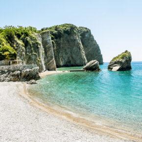 Traumhaft: 12 Tage in Montenegro mit Apartment am Meer & Flug nur 82€
