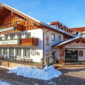 Wellness im Berchtesgadener Land: 3 Tage im 4* Hotel mit Halbpension & Schaumbad ab 119€
