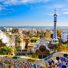 Spaniens wildeste Stadt: 3 Tage Kurztrip nach Barcelona mit Unterkunft, Rooftop-Pool & Flug nur 55€