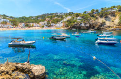 Ibiza Neueröffnung: 7 Tage im 4.5* Hotel mit Frühstück, Flug, Transfer & Zug nur 534€
