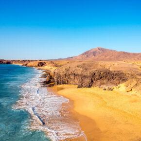 Kanaren All Inclusive: 8 Tage Lanzarote im guten 3* Hotel mit Flug, Transfer & Zug nur 230€