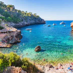Sommerferien Familienurlaub: 7 Tage Mallorca mit TOP 4* Hotel, All Inclusive, Flug, Transfer & Zug nur 470€