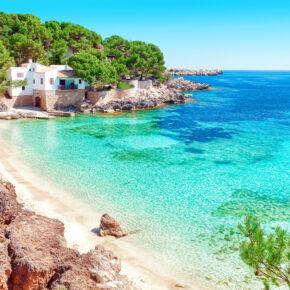 Westküste Mallorca: 7 Tage im 4* Hotel mit Halbpension, Flug, Transfer & Zug nur 378€