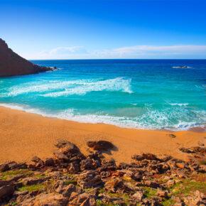 Relaxen auf Menorca: 7 Tage im TOP 4* Hotel mit All Inclusive, Flug, Transfer & Zug nur 278€
