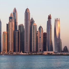 7 Tage Kreuzfahrt durch die Vereinigten Arabischen Emirate inkl. Vollpension-Verpflegung nur 279€