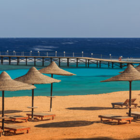 Ägypten: 7 Tage Hurghada im 5* Grand Makadi am Strand mit All Inclusive, Flug & Transfer für 355€