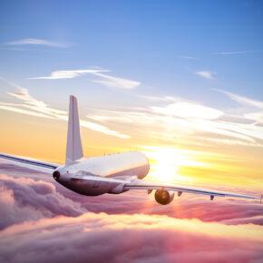 Als Alternative zu Fernreisen: Airlines bieten Flüge nach Nirgendwo & sind in Rekordzeit ausgebucht