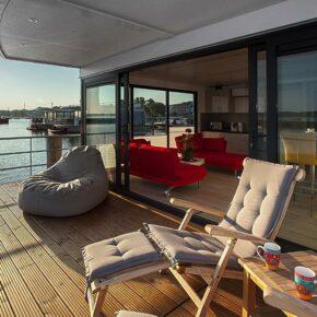 Ostsee am Wochenende: 4 Tage auf eigenem Hausboot mit Dachterrasse für 124€