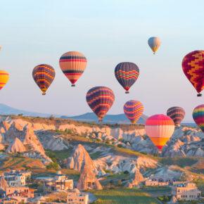 Kappadokien: 8 Tage Rundreise inkl. 4* Hotels, Halbpension, Transfer & Flug für 249€